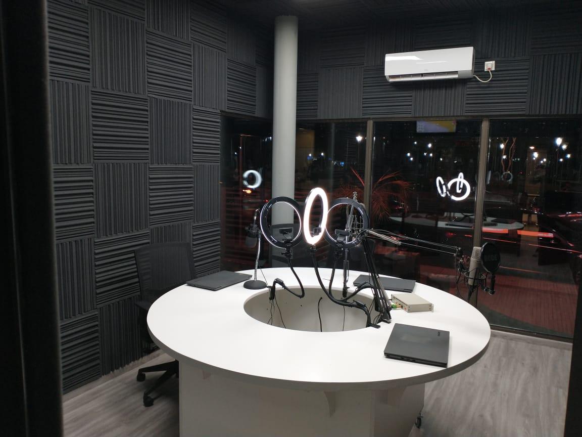 RADIO INTERIOR - ARABIAN